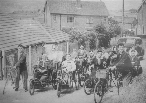Photo:Residents of Searchlight in Claremont Road - c1950