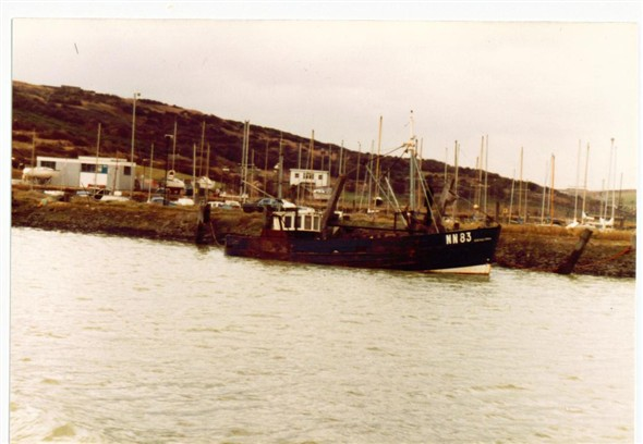 Photo:TRAWLER NN83 SINKING - 1981