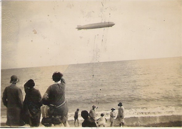 Photo: Illustrative image for the 'AIRSHIP OVER THE SEA' page