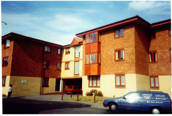 Photo:BRIDGE COURT- (Looking new)