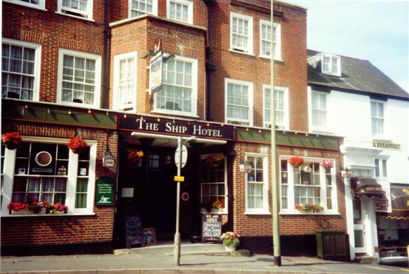 Photo:THE SHIP HOTEL/SCOFFERS