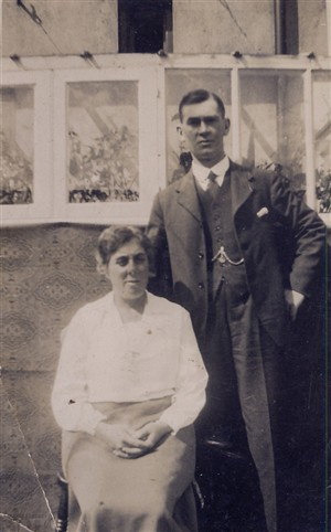 Photo:Maud and Robert S Oakley
