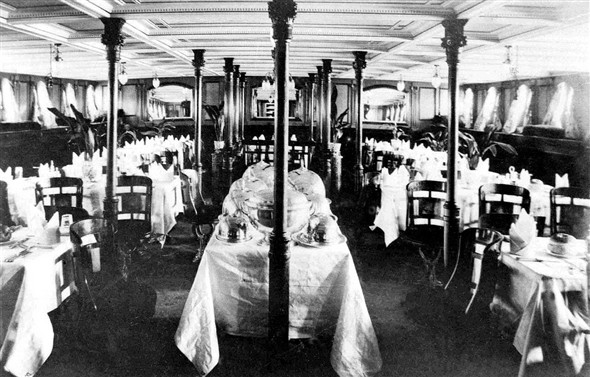 Photo:SS Sussex 1st Class Dining Saloon