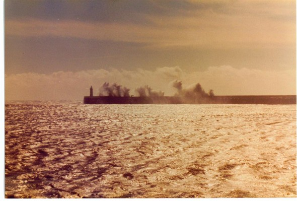 Photo:Waves over the breakwater (2) 1982