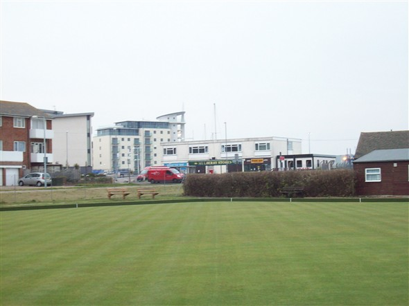 Photo:BOWLS GREEN TOWARDS CORAL STORES 2008