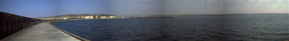 Photo:Breakwater (Panoramic) 2000