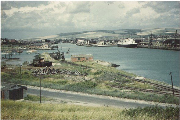 Photo: Illustrative image for the 'NEWHAVEN HARBOUR' page