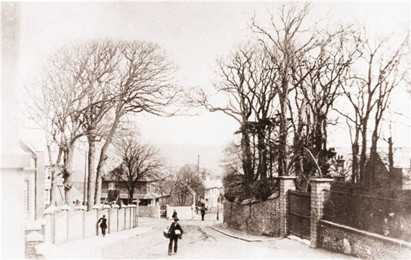 Photo:CHURCH HILL LOOKING TOWARDS TOP OF HIGH STREET (Gates on right entrance to the convent)