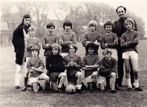 Photo:Denton Junior School Football team.