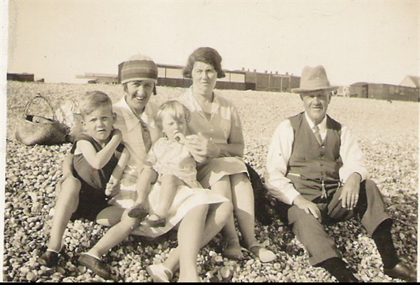 Photo: Illustrative image for the 'BERRY FAMILY ON EASTSIDE BEACH' page
