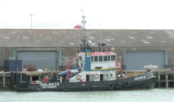 "Photo:Dutch Tug ""EERLAND26"""