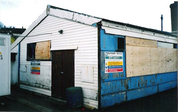 Photo:Fishermens Club now the site office - 3/12/00