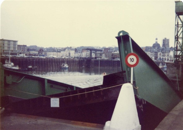 Photo: Illustrative image for the 'COLLAPSE OF LINK SPAN AT DIEPPE' page