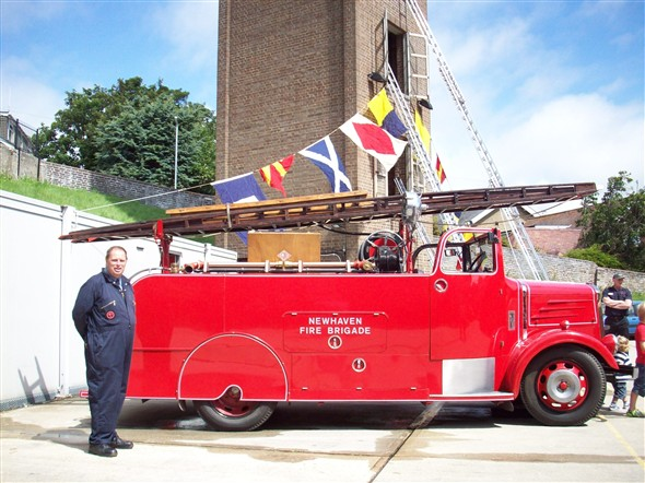 Photo:Phil Stephens with his restored engine