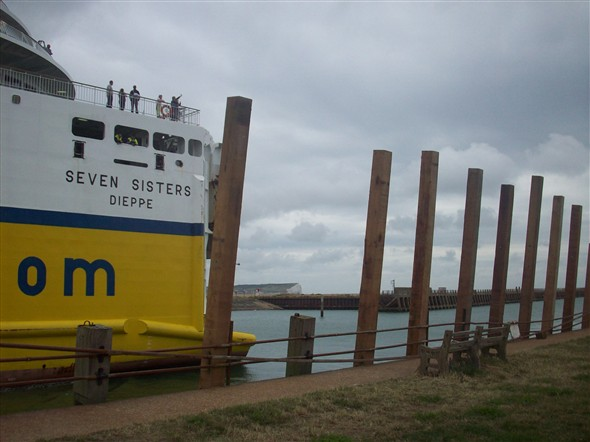 Photo:Replacing the wooden groynes - 2008
