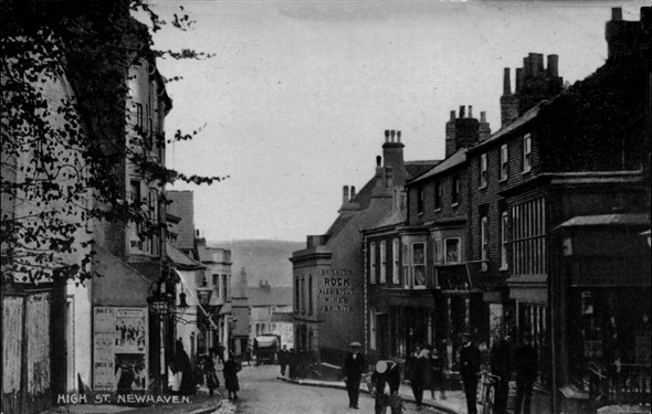 Photo:High Street in black and white c1914