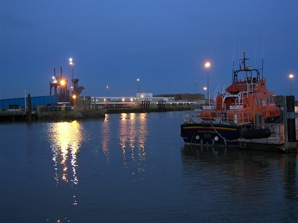 Photo:Harbour at Dusk - May 2008