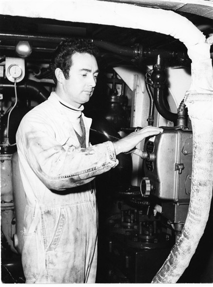 Photo:Bob Stonehouse in the engine room - 1968
