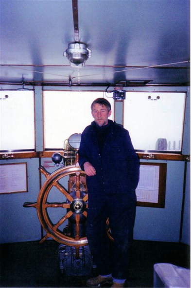 Photo:John Watkins at Meeching's wheel  17th. Jan 2000
