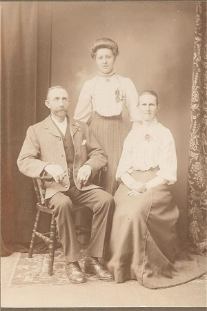 Photo:From left to right, Alfred Hills, daughter Lydia and his wife Sarah c1915
