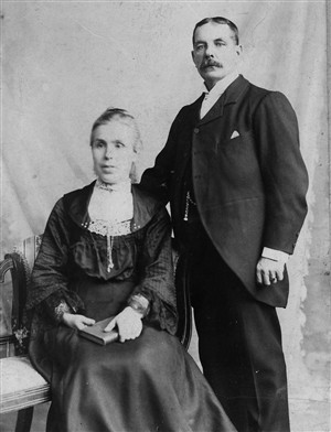 Photo:Leonard Cole Hibling & Sarah (nee Knighton)