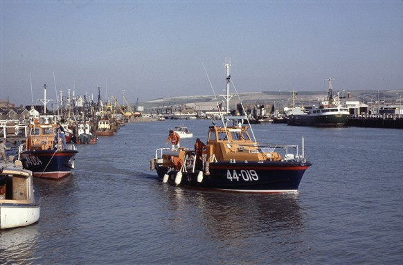 Photo:The Louis Marchesi of Round Table (Waveney class) from 1977 - 1985.