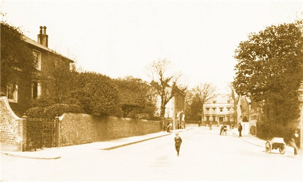 Photo:MEECHING ROAD TOWARDS SAXONHOLME / HIGH ST - CIRCA 1915