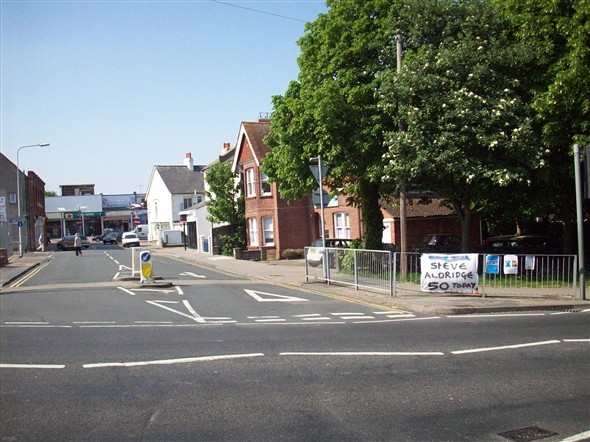 Photo:MEECHING ROAD TOWARDS DENTISTS - 2008