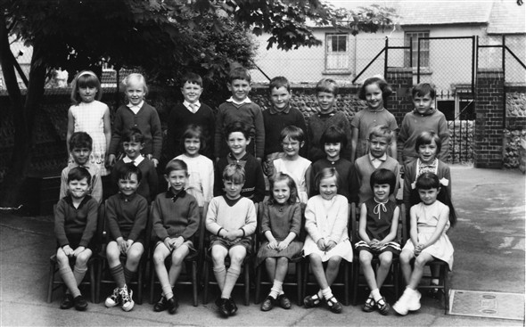 Photo:Meeching Infants Class Photo - c1966