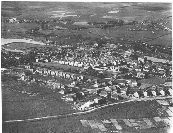 Photo: Illustrative image for the 'NEWHAVEN AERIAL VIEW 1931' page