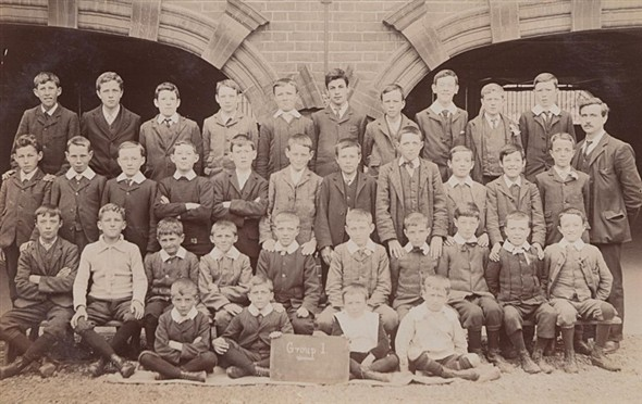 Photo:Newhaven Boys School Group I
