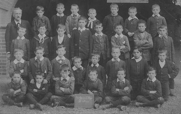 Photo:Newhaven Boys School Class IV