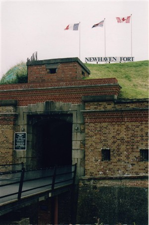 Photo:Newhaven Fort Gates