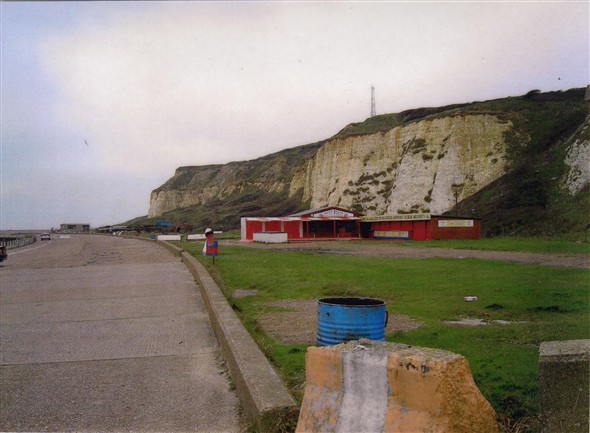 Photo:Cliff walk near Newhaven