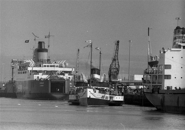 Photo:Senlac is ready to sail but has to wait for the departing Waverley, which had been shoehorned in between her and a Japanese freighter. 23/4/78
