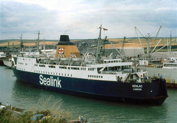 Photo:Senlac arriving at Newhaven