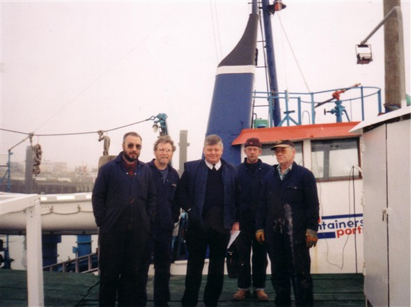Photo:The Final crew picture a matter of days before decommissioning from Sea containers. pic taken 17th. Jan 2000