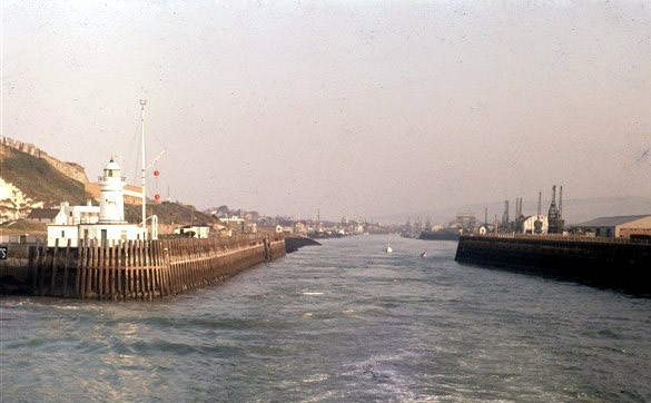Photo: Illustrative image for the 'HARBOUR ENTRANCE' page