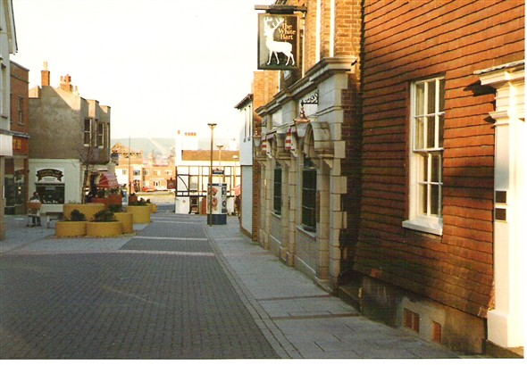 Photo:The High Street & White Hart Hotel, c1980s