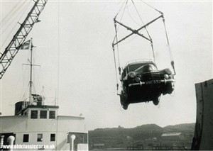 Photo:A Vauxhall Velox swings around while being loaded onto the Dieppe screw Brest at Newhaven in the late 1950s