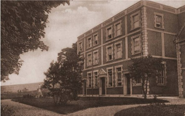 Photo:Part of Newhaven Convent, c1925