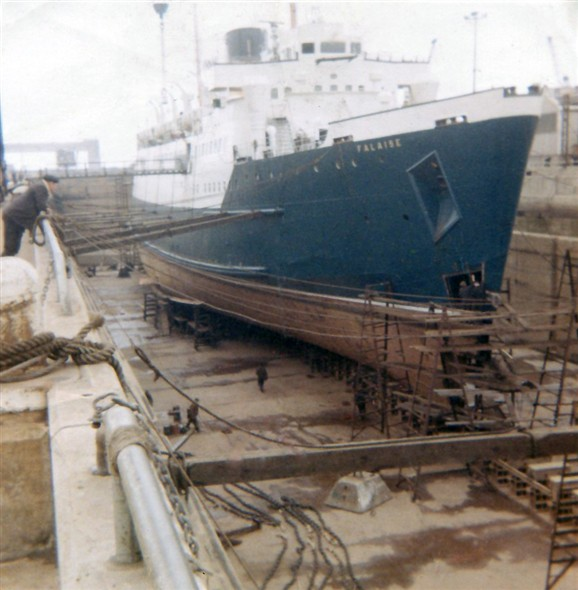 Photo:Falaise under repair in dry dock at Immingham
