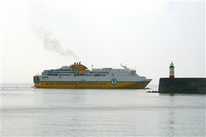 Photo:Cote d'Albatre leaves on the 50th anniversary of the start of the car ferry service. No flags, no fuss.