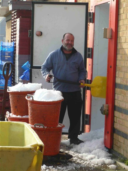Photo:Shovelling Ice