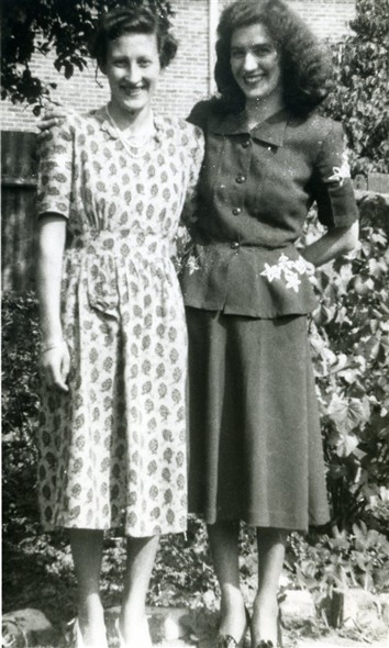 Photo:Marcia Stapley & Peggy Vinall, mid-1950s
