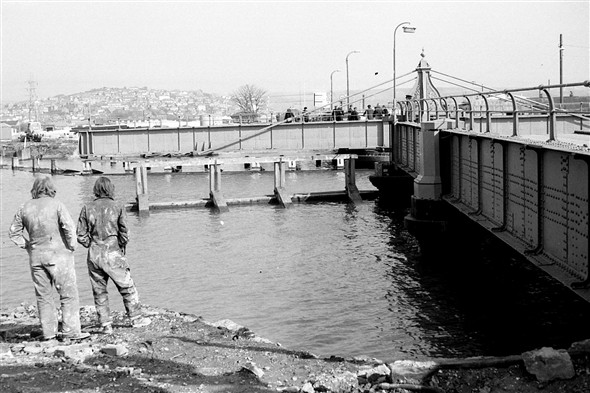 Photo: Illustrative image for the 'OLD SWING BRIDGE' page