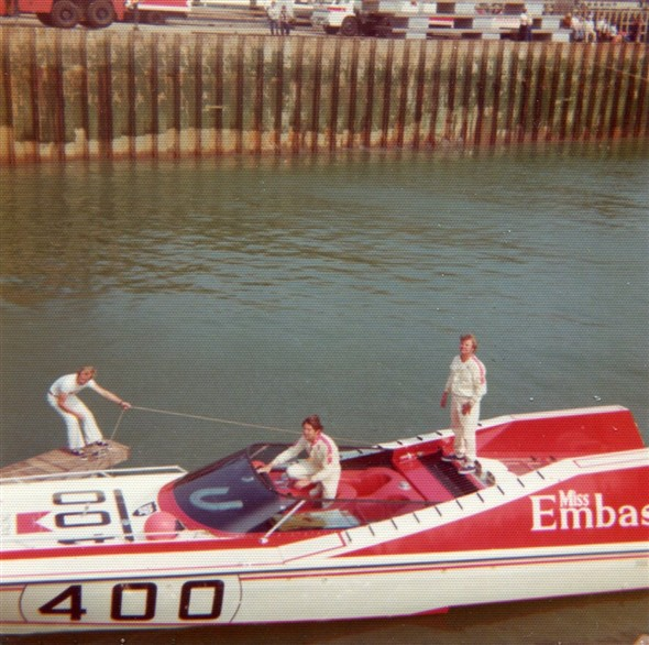 Photo:Embassy powerboat No.400