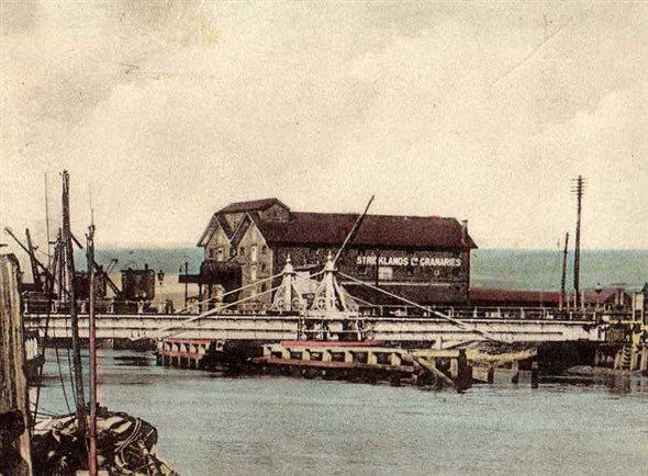 Photo:Stricklands Granaries and Swing Bridge pre 1940