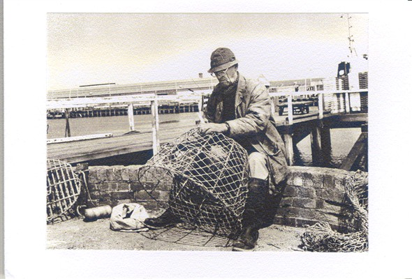 Photo: Illustrative image for the 'NEWHAVEN NET BRAIDER' page