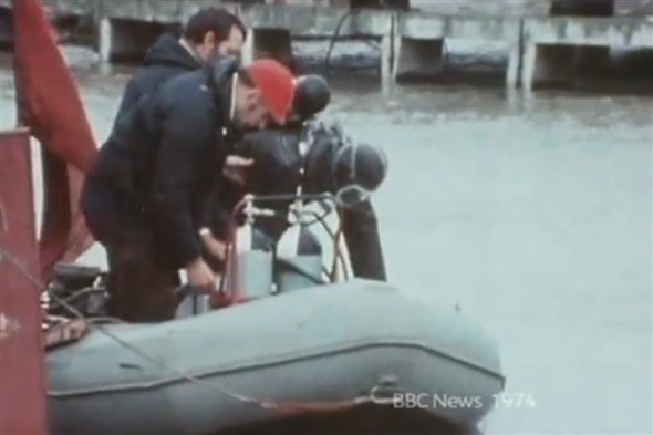 Photo:Searching for Lord Lucan in Newhaven Harbour - 1974